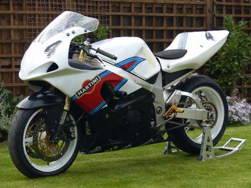 Gsxr 750 Y Spares Repair Trackday Riders